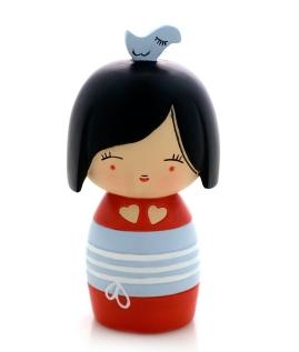 Artist Adolie Day gave us a new take on the Momiji message doll, her name is Piou-Chou and she enjoys sleeping in her birds cage.