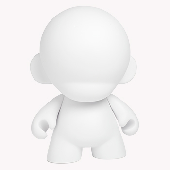 MUNNY and your favorite MUNNYWORLD characters are now 7-inches tall! Packaged in a closed box with one mystery accessory, practice sticker, and