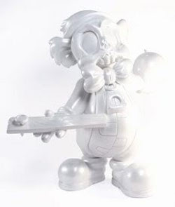 vintage pearl white edition of 100, sdcc exclusive includes bomb and nail in board accessories.