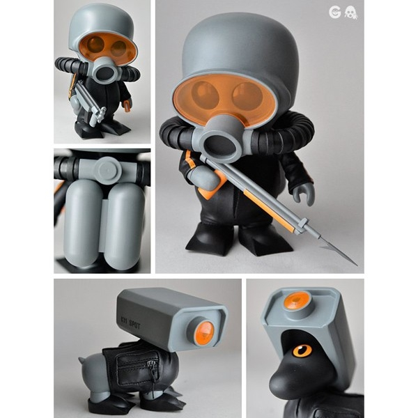 Newest figure by Ferg, Squadt Frog and K11 Spot Figures includes: a wetsuit, tanks, flippers, spear gun, sMP5, tanto knife, a removable helmet, and two sets of arms. K11 spot includes a wetsuit with pouches, flippers and a removable helmet.