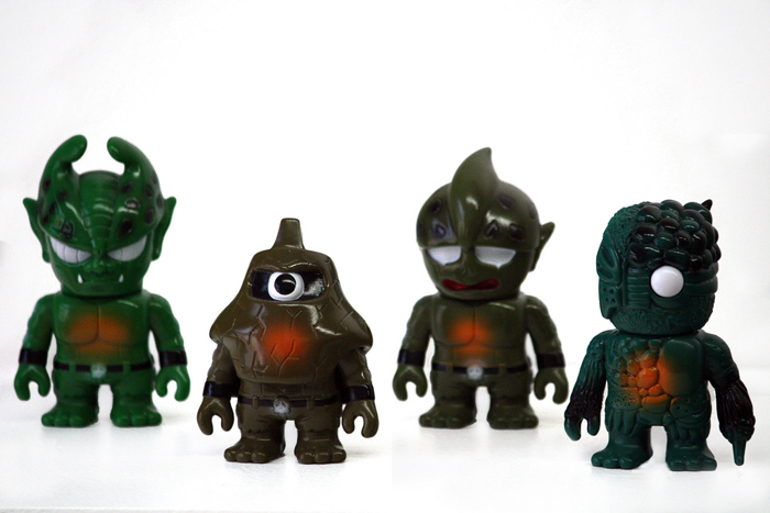 Mini Mutant - Teenage Mutant Ninja Turtles tribute, 3 3 1/2 inch figures by Real x Head includes 3 styles: chaos, bigaro, evil, and head.